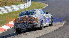 Nuova BMW Seri 2 Coupé: si intravvede lo stile sotto le camuffature