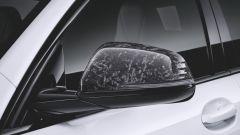 Nuova BMW Serie 1: ci sarà anche il pacchetto M Performance specchietti