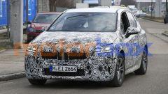Nuova BMW Serie 2 Active Tourer: specchi esterni spostati sulla portiera