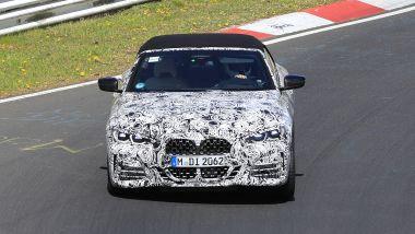 Nuova BMW Serie 4 Cabrio: il muso mostra l'inedita griglia