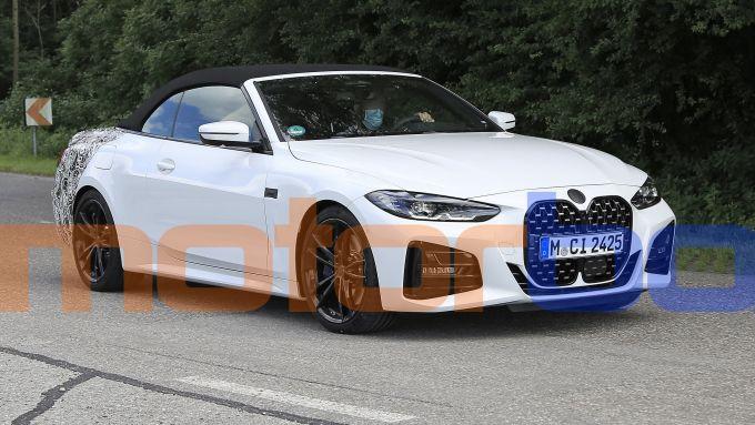 Nuova BMW Serie 4 Cabrio: visuale di 3/4 anteriore