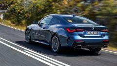 Nuova BMW Serie 4 Coupé, coda corta e firma luminosa a LED