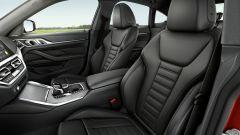 Nuova BMW Serie 4 Gran Coupé: i sedili anteriori sportivi in pelle nera