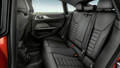 Nuova BMW Serie 4 Gran Coupé: il comodo divanetto posteriore ospita tre persone