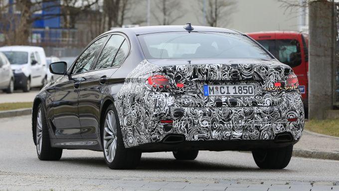 Nuova BMW Serie 5 2020: motori ibridi ma ci sarà anche 100% elettrica