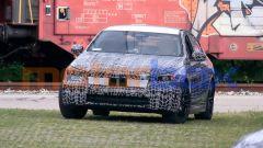 Nuova BMW Serie 5: i proiettori anteriori a LED dal design molto lineare