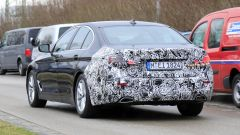 Nuova BMW Serie 5:  motori ibridi ma ci sarà (forse) anche un motore 100% elettrico