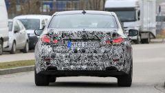 Nuova BMW Serie 5:  stile diverso anche per i parafanghi