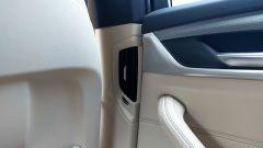 Nuova BMW Serie 5 Touring 2017: dettaglio delle bocchette di ventilazione posteriori