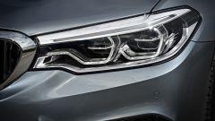 Nuova BMW Serie 5 Touring 2017: i fari a led