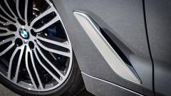 Nuova BMW Serie 5 Touring 2017: le prese aerdinamiche per sfogare le turbolenze del vano ruota