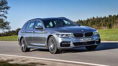 Nuova BMW Serie 5 Touring 2017: vista 3/4 anteriore destra