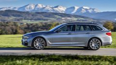 Nuova BMW Serie 5 Touring 2017: vista laterale