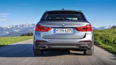 Nuova BMW Serie 5 Touring 2017: vista posteriore
