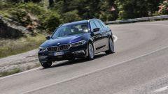 Nuova BMW Serie 5 Touring: cresce, ma perde 100 kg