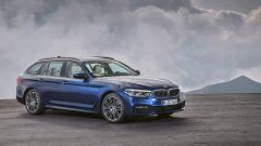 Nuova BMW Serie 5 Touring: il disegno del frontale non è stato stravolto