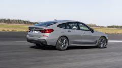 Nuova BMW Serie 6 GT 2020: visuale di 3/4 posteriore