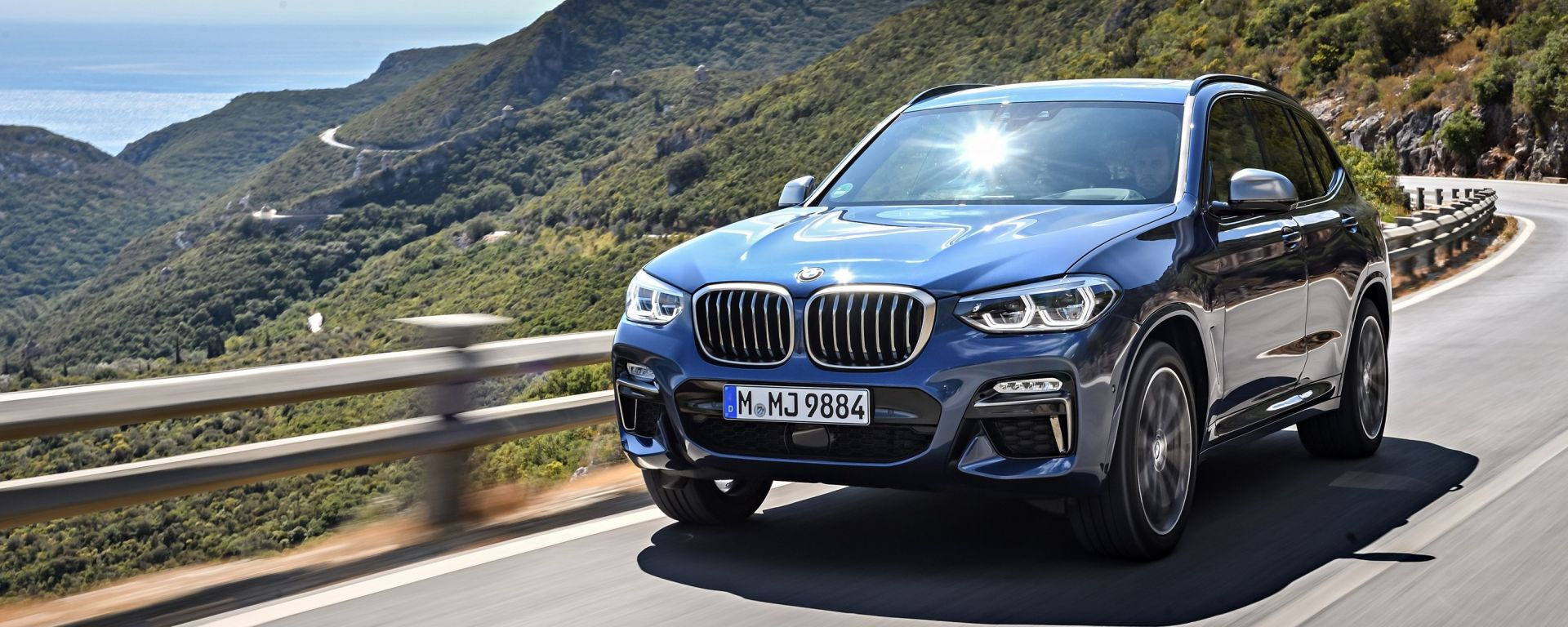 Nuova BMW X3 M40i, Phytonic Blue