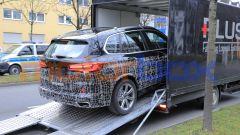 Nuova BMW X5 2021: la 3/4 posteriore
