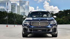 Nuova BMW X5 M50d, la supercar che ama le coccole - Immagine: 10