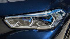 Nuova BMW X5 M50d, la supercar che ama le coccole - Immagine: 14