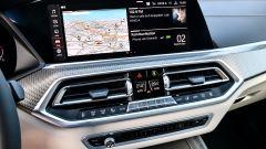 Nuova BMW X5 M50d, la supercar che ama le coccole - Immagine: 17