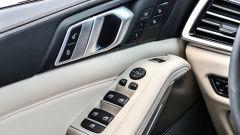Nuova BMW X5 M50d, la supercar che ama le coccole - Immagine: 19