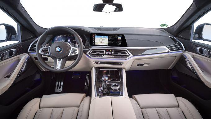 Nuova BMW X6: gli interni