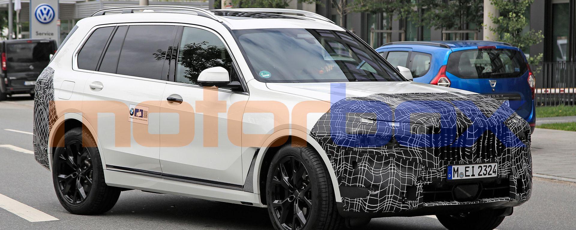 Nuova BMW X7 2022: gli ultimi prototipi beccati sulle strade nei dintorni di Monaco di Baviera