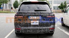 Nuova BMW X7 2022: la coda ampiamente mimetizzata