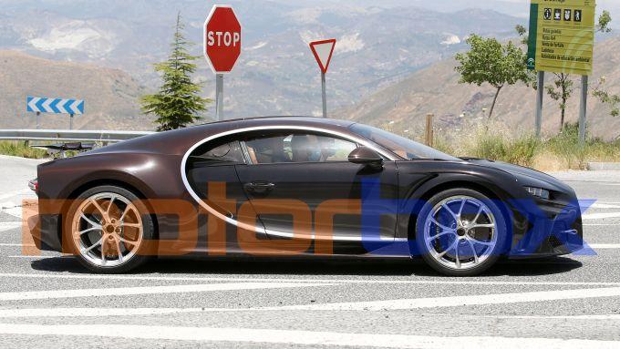 Nuova Bugatti Chiron pizzicata per le vie della Spagna