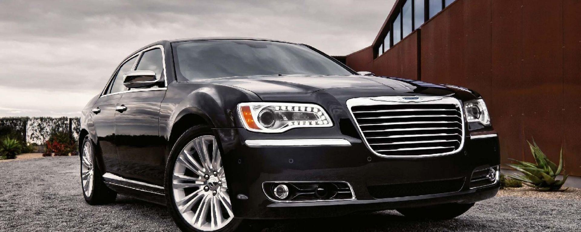 La Chrysler 300C 2011 in 40 nuove immagini