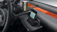 Nuova Citroen AMI 100% electric: la piccola penisola con lo smartphone per l'infotainment