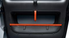 Nuova Citroen AMI 100% electric: la portiera con la rete portaoggetti