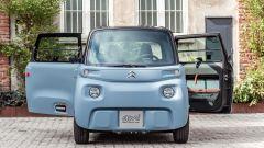 Nuova Citroen AMI 100% electric: l'originale avantreno e le portiere aperte