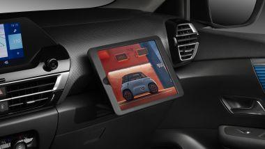 Nuova Citroen C4: la collocazione strategica del tablet davanti al passeggero
