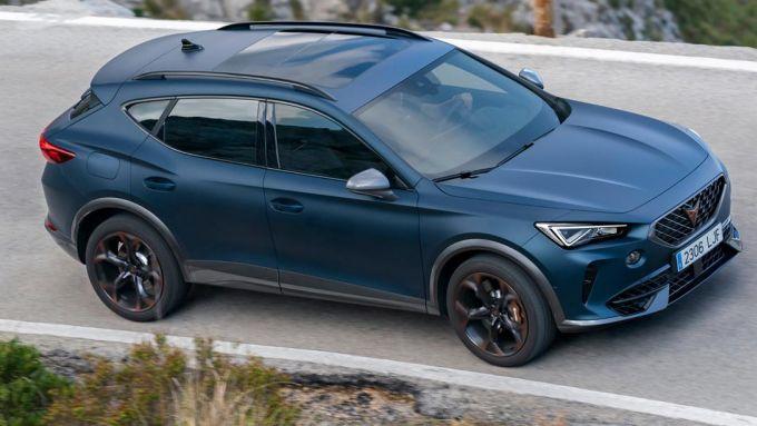 Nuova Cupra Formentor e-Hybrid 204 CV: il SUV spagnolo arriva con il motore meno potente