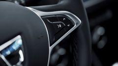 Nuova Dacia Duster 2018: il tasto per attivare i comandi vocali