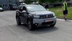 Nuova Dacia Duster facelift 2021, le foto spia. Ecco come cambia