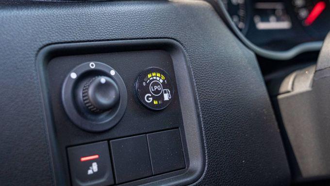 Nuova Dacia Duster GPL, commutazione automatica del carburante