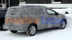 Nuova Dacia Logan MCV: ancora pesantemente mimetizzata