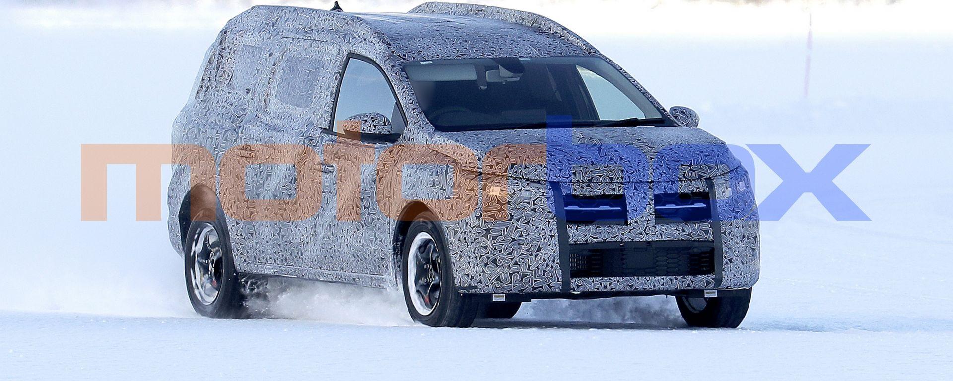 Nuova Dacia Logan MCV: i prototipi sul ghiaccio della Scandinavia