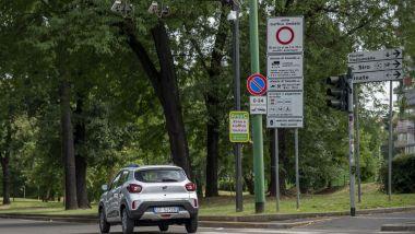 Nuova Dacia Spring: le ZTL non sono un problema