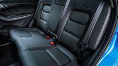 Nuova DR F35: il divano posteriore e la tappezzeria, di serie, in ecopelle