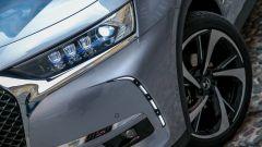Nuova DS 7 Crossback: i fari full led che ruotano seguendo la strada