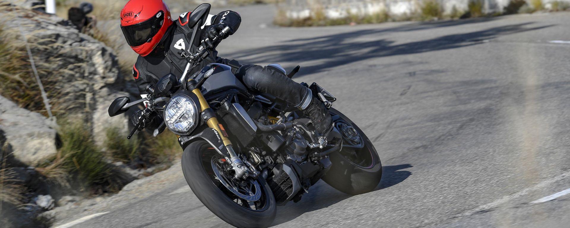Nuova Ducati Monster 1200 S: prova, prezzi e caratteristiche. Guarda il video