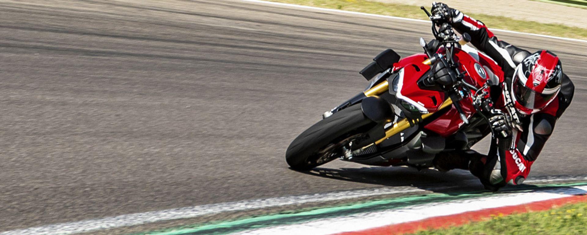 Nuova Ducati Streetfighter V4, una naked esagerata
