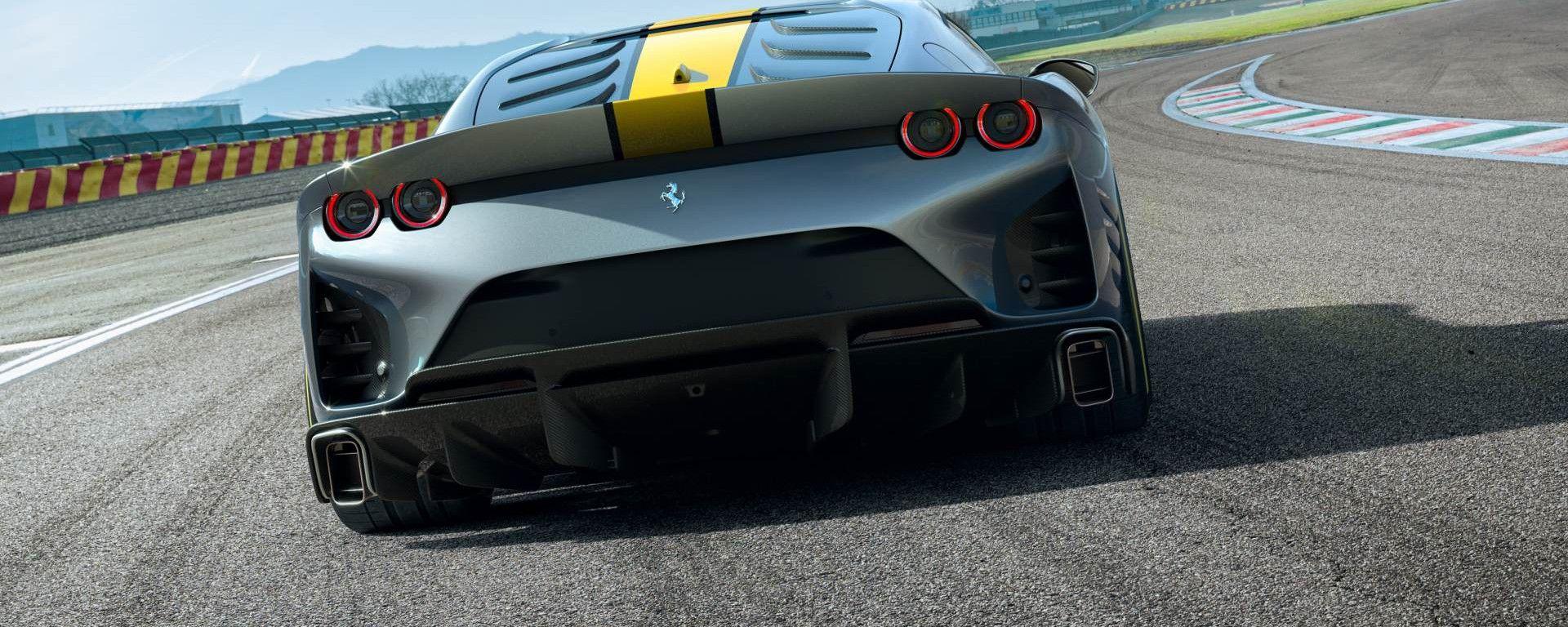Nuova Ferrari 812 Competizione: questo il probabile nome della versione speciale 2021