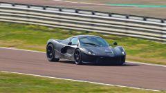 Nuova Ferrari ibrida: vista 3/4 anteriore - schermata dal video di Varryx