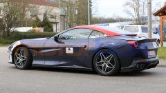 Nuova Ferrari Portofino 2021, anche gli interni dovrebbero cambiare